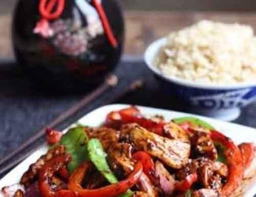 Spice chicken and chili garlic sauce