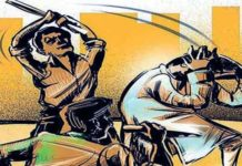 Fight between two group in rudrapur