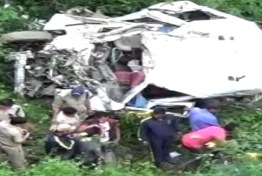Tempo traveler collapses in ditch on Gangotri highway 13 people die